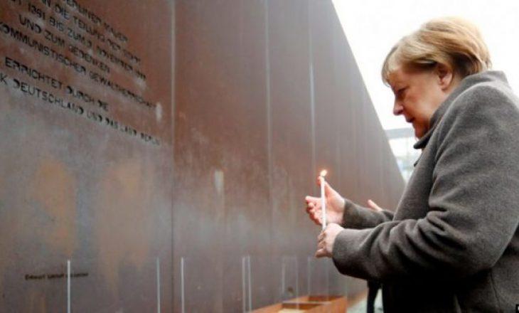 Merkeli viziton për herë të parë Aushvicin