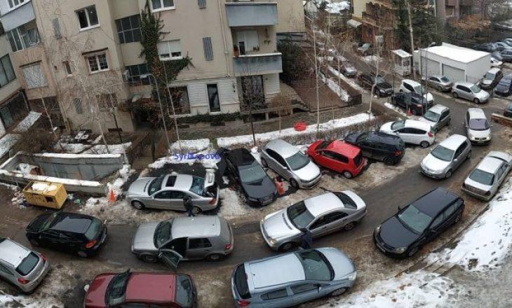 Votohet rregullorja e parkingjeve në Prishtinë, këto janë çmimet e reja