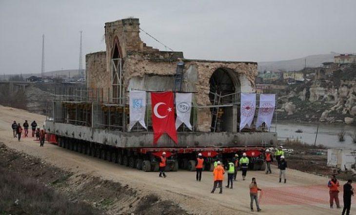Turqia zhvendos xhaminë 609-vjeçare