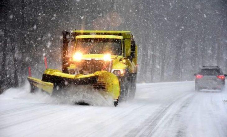 Një pjesë e SHBA-së kaplohet nga stuhia e borës