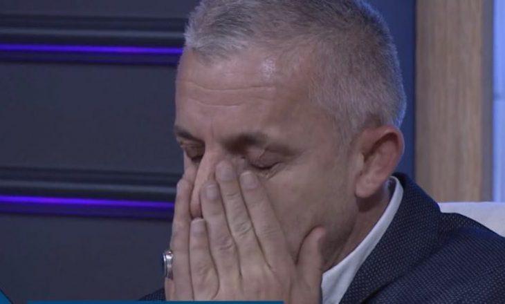 Halil Kastrati nuk i mban lotët kur në skenë interpretohet poezia kushtuar atij