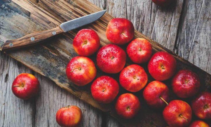 Të mirat që i bëni shëndetit nëse konsumoni një mollë në darkë