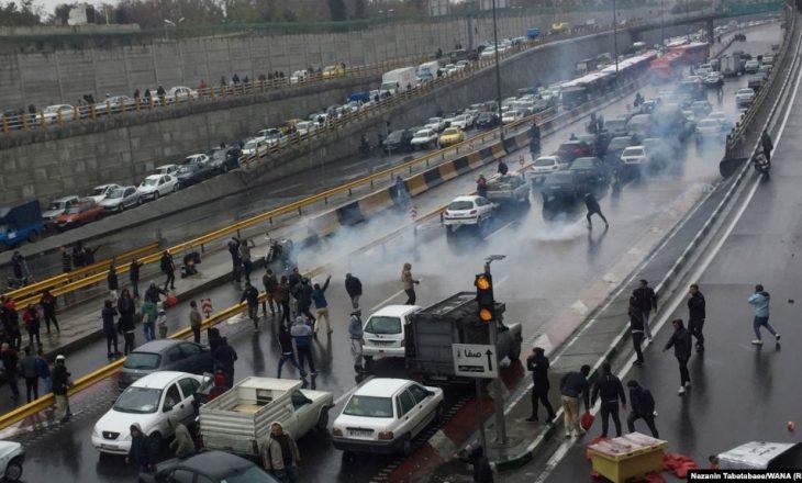 SHBA-ja thotë se Irani mund të ketë vrarë mbi 1 mijë protestues