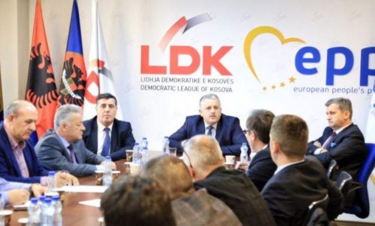 Pas fotografisë së Vjosa Osmanit me Albin Kurtin reagon LDK-ja