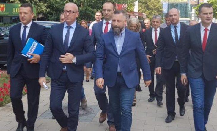 Serbët vendosin: Do të braktisim të gjitha institucionet e Kosovës nëse Teodosijeviq përfundon në burg
