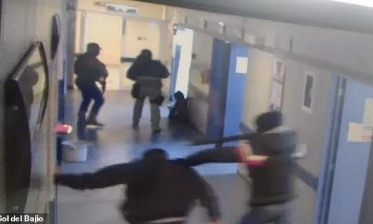 Pamje të rënda: Anëtarë të karteleve Meksikane hyjnë në spital dhe rrëmbejnë pacientin me gjithë barrelë