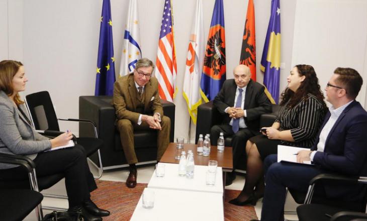 Isa Mustafa e njofton ambasadorin Heldt për rrjedhën e bisedimeve me VV-në