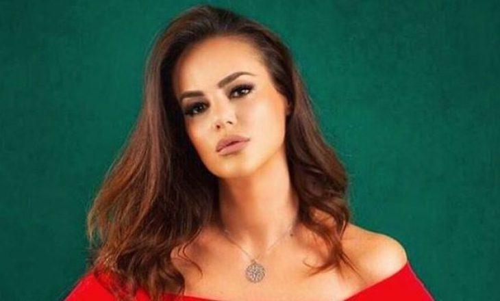 """""""Të shohim përditë, s'je kështu"""" – Moderatorja shqiptare ia tregon vendin ndjekësit"""