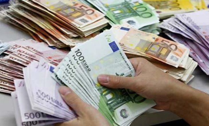 Rreth 800 milionë euro i dërguan mërgimtarët për vetëm 10 muaj në Kosovë