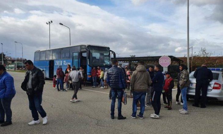Kthehen në Shqipëri 70 persona që u strehuan në Kosovë pas tërmetit