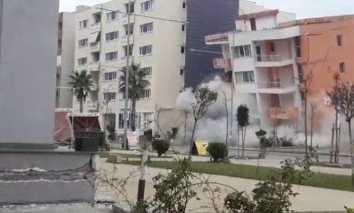 Ndërtesa 6-katëshe në Durrës 'zhduket' për pak sekonda [VIDEO]