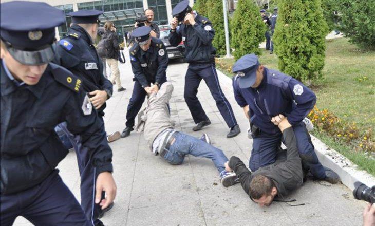 Polici e dhunshme – Si u keqtrajtuan brutalisht edhe veteranët e UÇK-së në protestë
