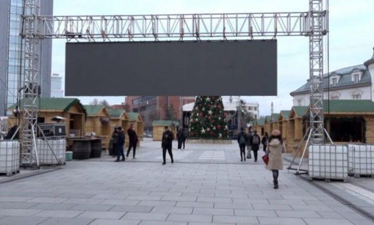 Sonte hapen netët festive në Prishtinë