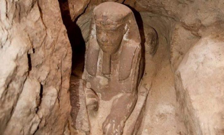 Zbulohet një statujë e ngjashme me sfinksin