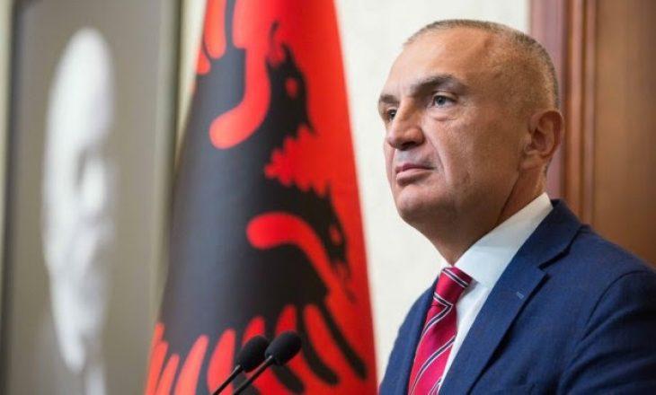 Meta në Kosovë, dekoron njësitë ushtarake e policore të Kosovës