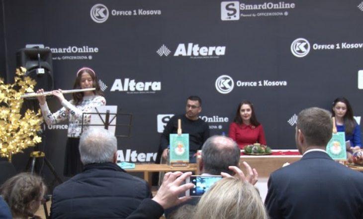 "Princesha Elia Zaharia Zogu promovoi librin ""Trëndafili i Bardhë"""