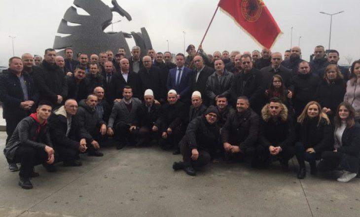 Kryetari i Rahovecit kthehet në Kosovë pas intervistimit nga Specialja