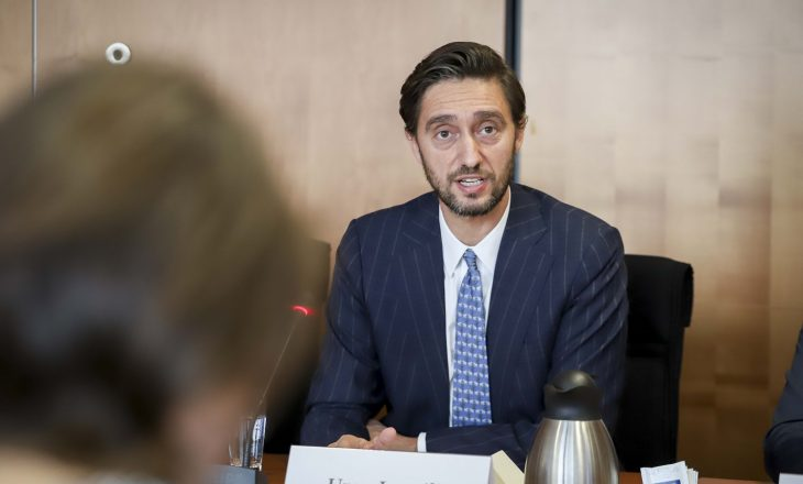 Uran Ismaili me kabinet çoi 36 mijë euro në dreka e 20 mijë euro në telefonata