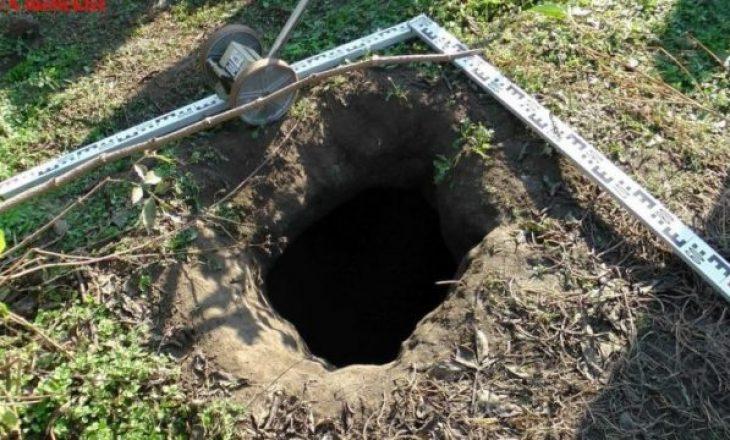 Policia hungareze zbulon dy vrima në tokë, e tmerrshme për çka i kishin përdorur serbët ato