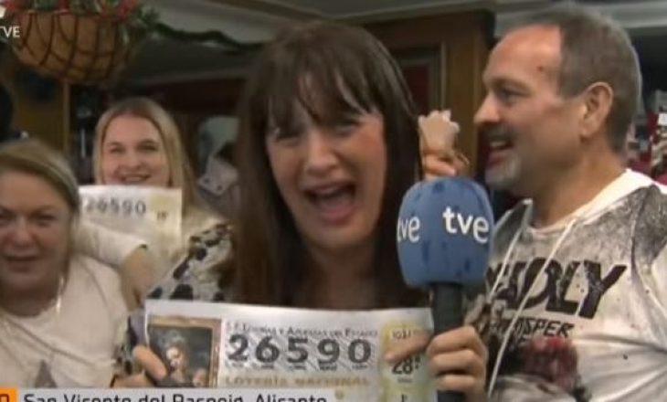 Epike: Gazetarja që prezantonte fituesin e lotarisë, del vetë fituese