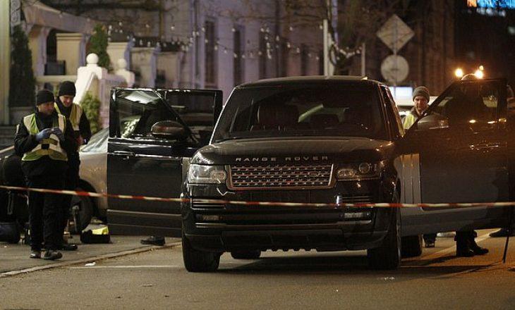 "Vritet brenda ""Range Rover""-it djali i deputetit ukrainas"