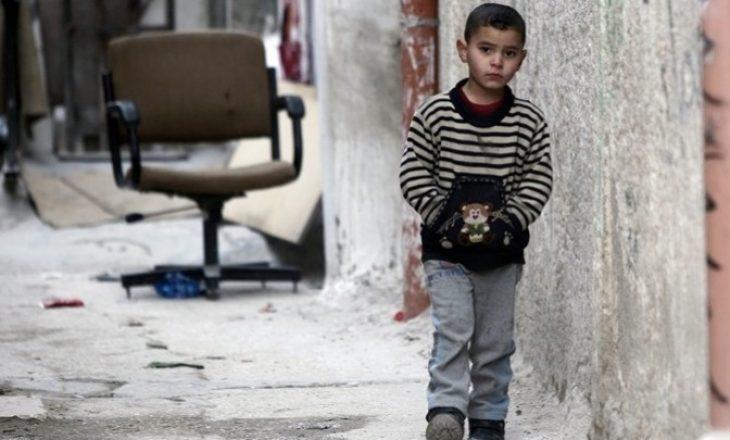 Gjendje tragjike në kampet e refugjatëve në Greqi, fëmijë që duan të vrasin veten