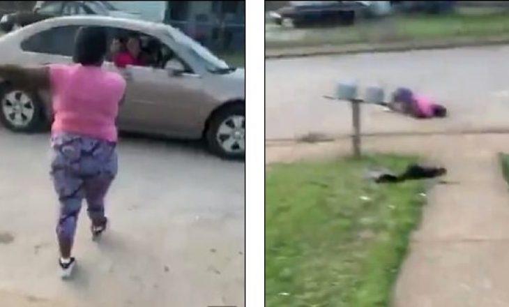 Gruaja qëllohet tri herë me revole, shoqja e saj e transmeton live në Facebook