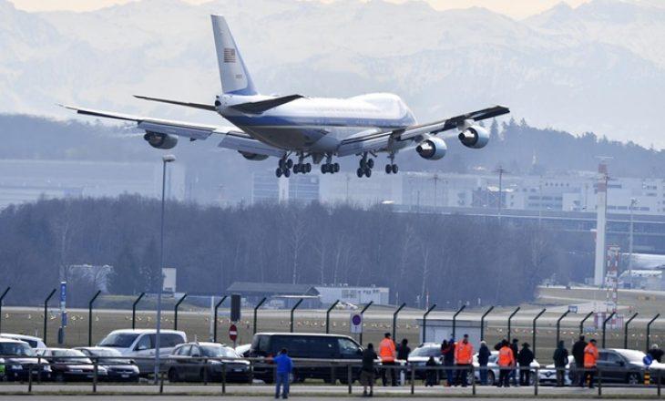 Një aeroplan ushtarak i SHBA-së zbarkon në Cyrih
