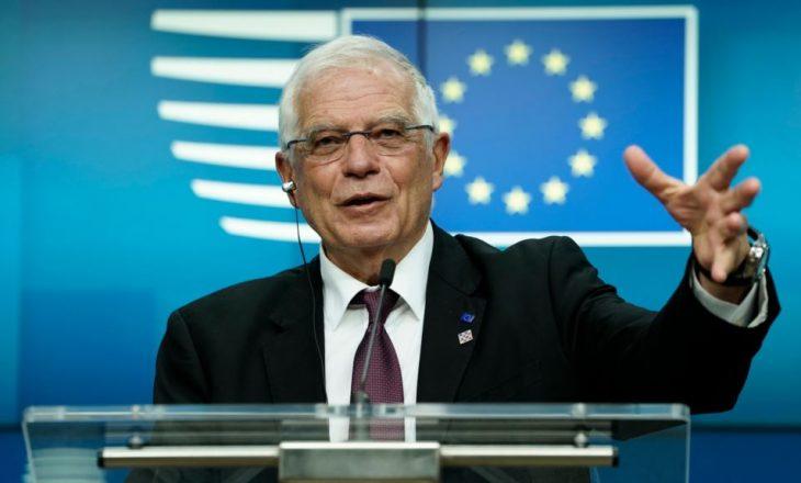 Josep Borrell bisedon në telefon më Thaçin e Vuçiqin