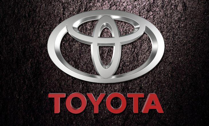 Toyota largon 700 mijë vetura nga tregu për shkak të defekteve