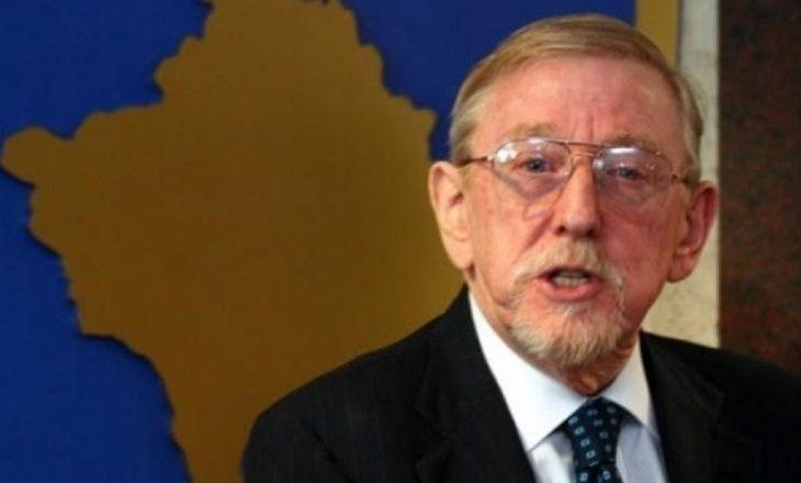 Walker: Termi 'terrorist' s'mund të përdoret për UÇK-në, por për ushtrinë dhe paramilitarët serbë si Arkani
