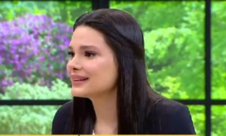 Almeda Abazi s'mund t'i ndal lotët në televizionin turk, tregon historinë 'pikëlluese' të djalit të saj