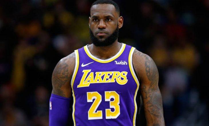 NBA / Lebron James tejkalon Bryant, Philly fiton ndaj Lakers