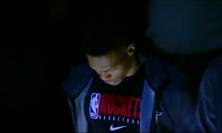 Kështu filloi ndeshja e NBA-së, pak pasi u konfirmua vdekja e Kobe Bryant
