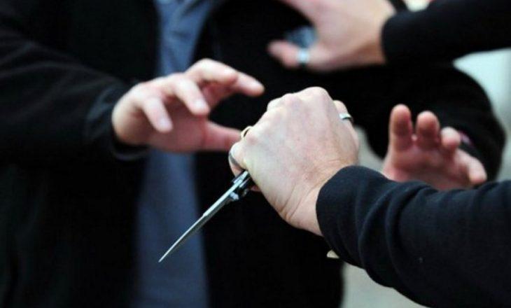 Sherr me thika në Pogradec, një i plagosur