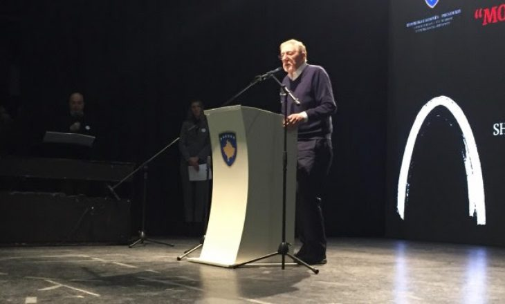 Walker: Komuniteti ndërkombëtar duhet të njohë të vërtetën e Reçakut