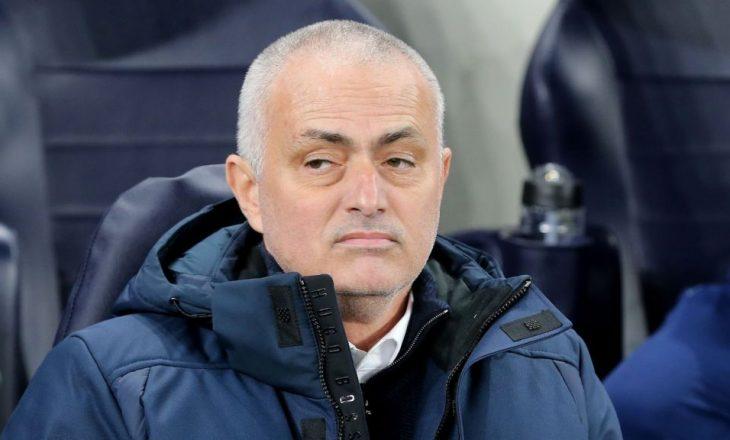 Tottenham Hotspur shkarkon Jose Mourinhon nga pankina