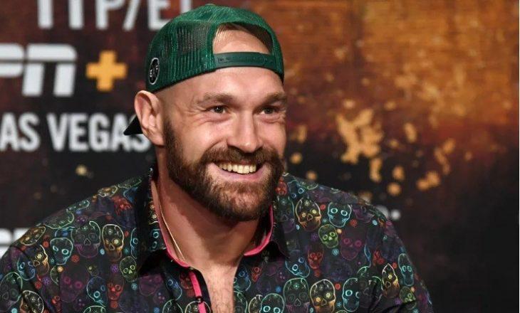 Fury flet hapur: Ky boksier e ka grushtin më të fuqishëm