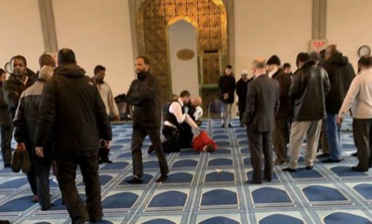 Sulmohet me thikë muezini në një xhami të Londrës, arrestohet i dyshuari – pamje nga vendi i ngjarjes