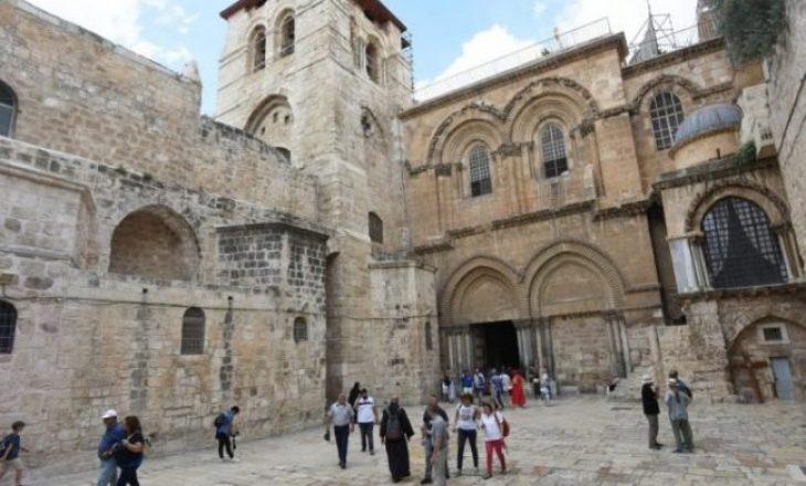Mbyllet Kisha e Varrit të Shenjtë në Jeruzalem