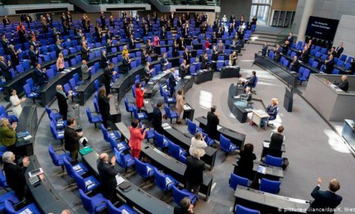 Bundestagu vendosi paketë miliardëshe në krizën e koronavirusit