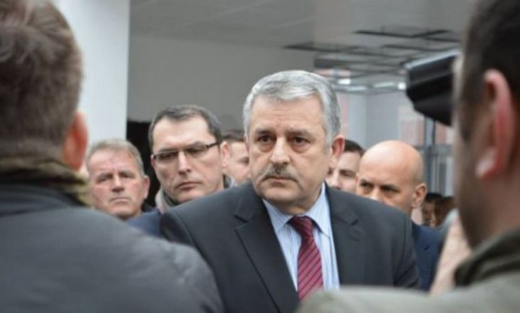 Kryeministri Albin Kurti shkarkon ministrin Agim Veliu