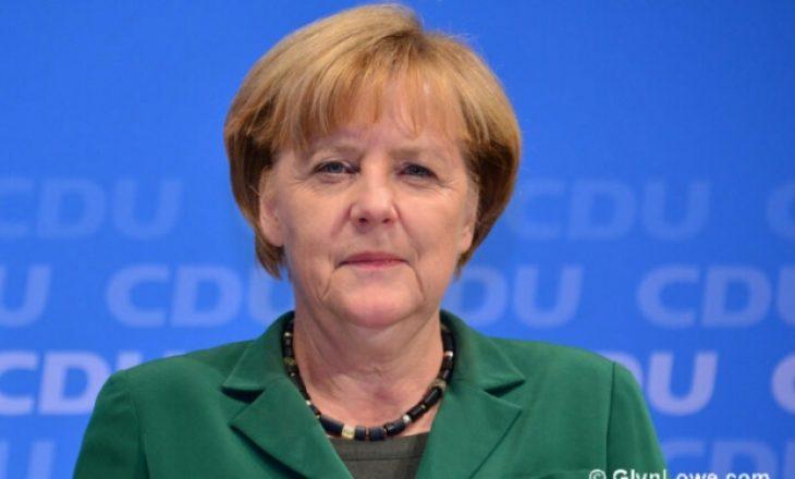 Merkel thërret zjarrfikësit, ata ia mbyllin telefonin