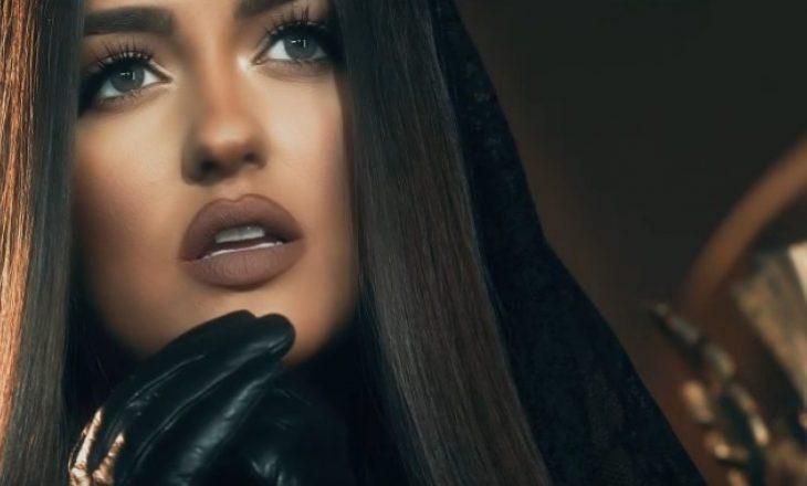 Edhe pse në izolim, Enca publikon këngë të re