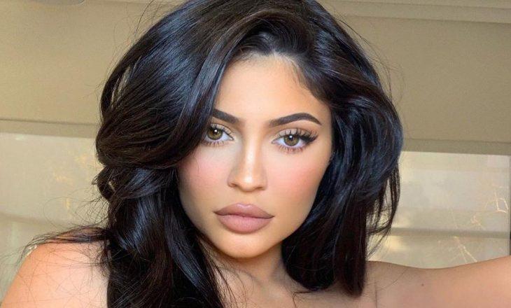 Kylie Jenner dhuron shumën marramendëse për të prekurit nga COVID-19