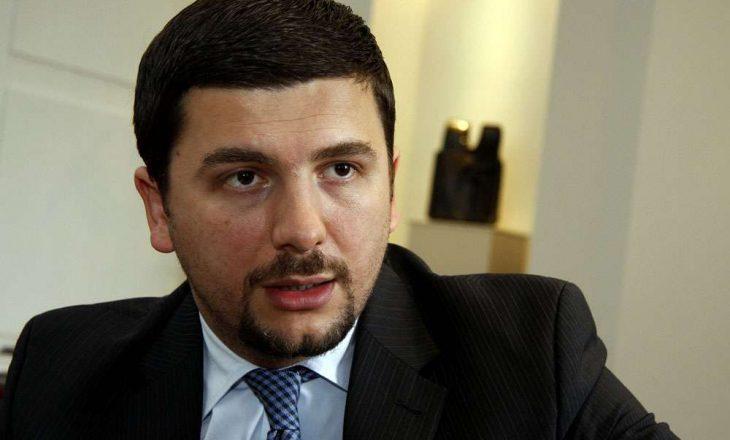 Krasniqi: Televizioni i oligarkut Ekrem Lluka është bërë organ i VV-së