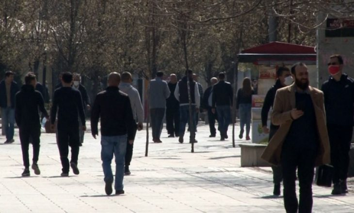 COVID-19: Kosovarët nga sot mund të lëvizin lirshëm 24 orë