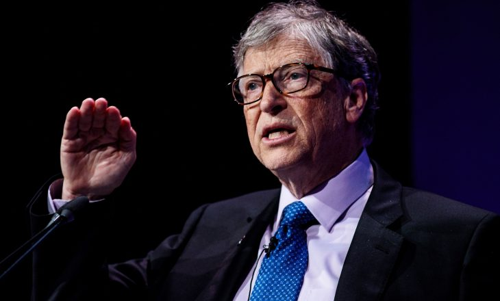 Bill Gates ka disa kritika për të mësuarit online