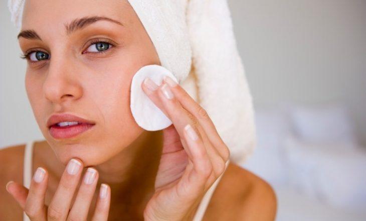 Këshilla nga dermatologia: Ja si të kujdesemi për fytyrën në karantinë
