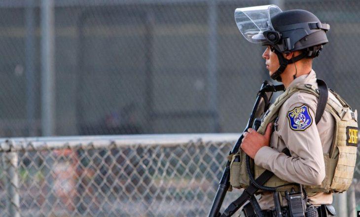 Dëbohen mijëra migrantë në kufirin SHBA-Meksikë